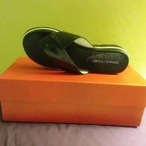 Donald Pliners Sandals